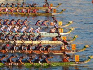 Drachenboot-Drachenbootrennen-Kanu-zum-Frühstück